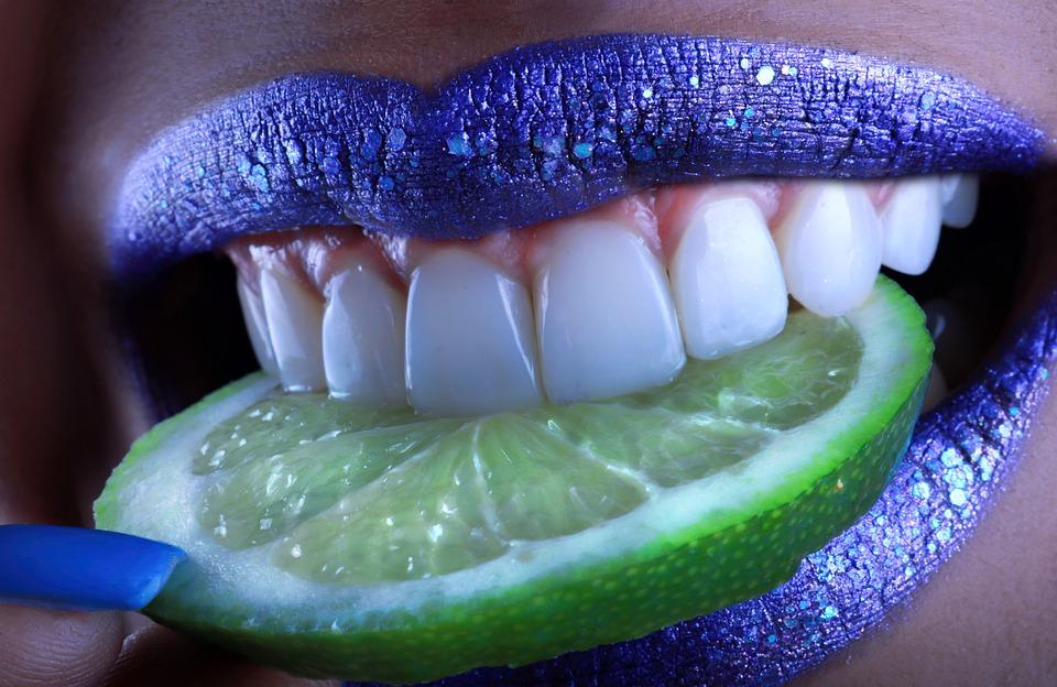 bílé zuby