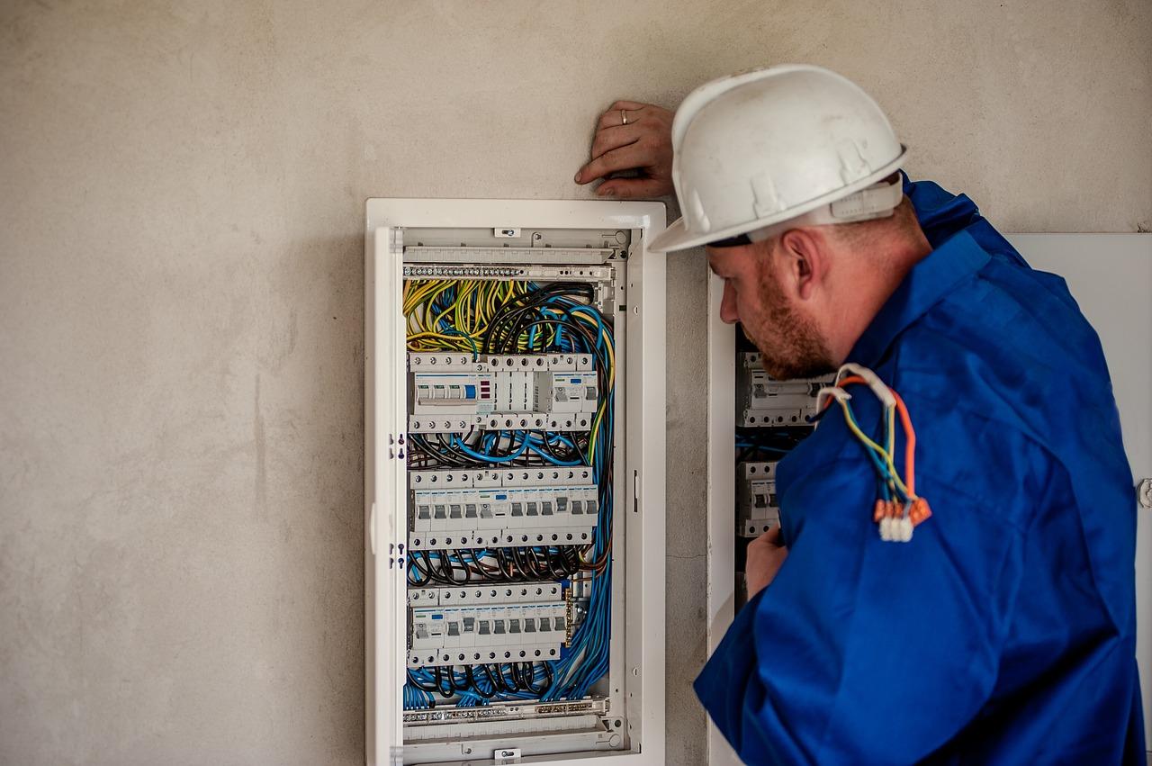 Kde můžeme najít ceník revizí elektro instalace