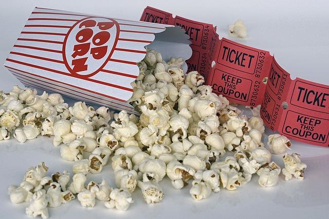 popcorn a vstupenky
